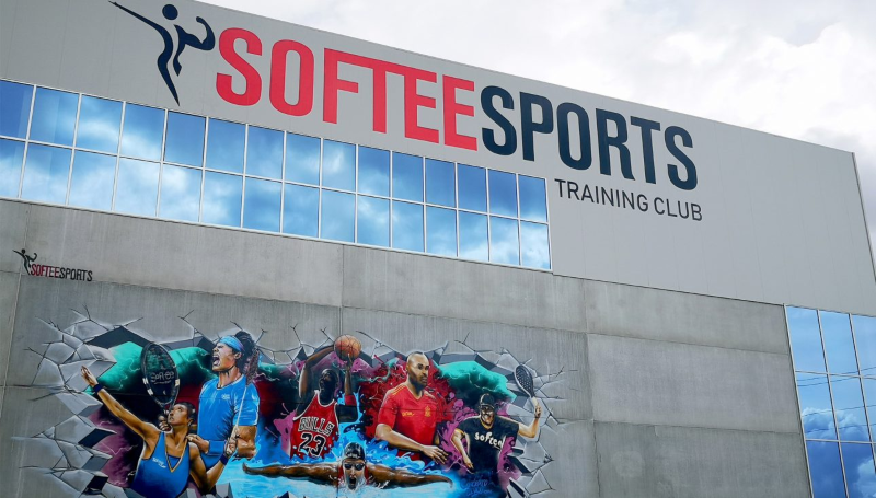 SOFTEE SPORTS TRAINING CLUB DE JIM SPORTS, ABRE SUS PUERTAS
